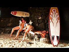 Partouze entre surfeurs sur la plage