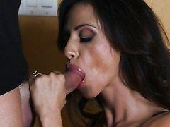 Ariella Ferrera baise avec son amant